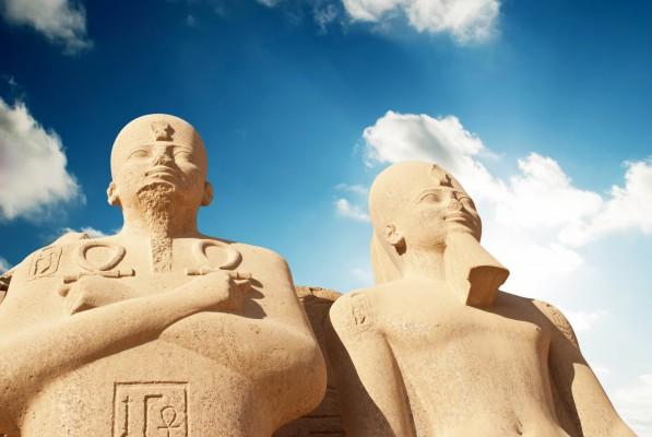 egypt karnak emberszobrok