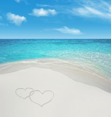 szivecskék fehér homokban