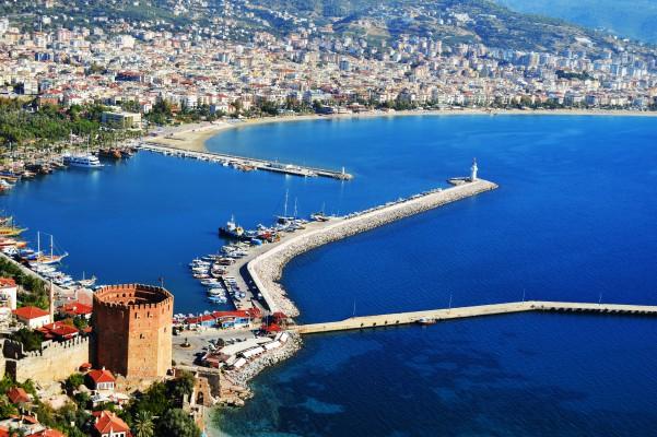 töröko alanya vár + kikötő
