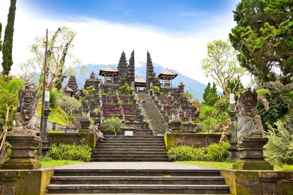templom lépcsősor nafény